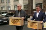 Профлидеры завезли на тележках в Госдуму 2,5 млн подписей против пенсионной реформы 05.07.2018