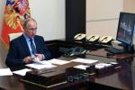 Владимир Путин решил вопрос с отпускными выплатами получающим «ковидные» премии медикам